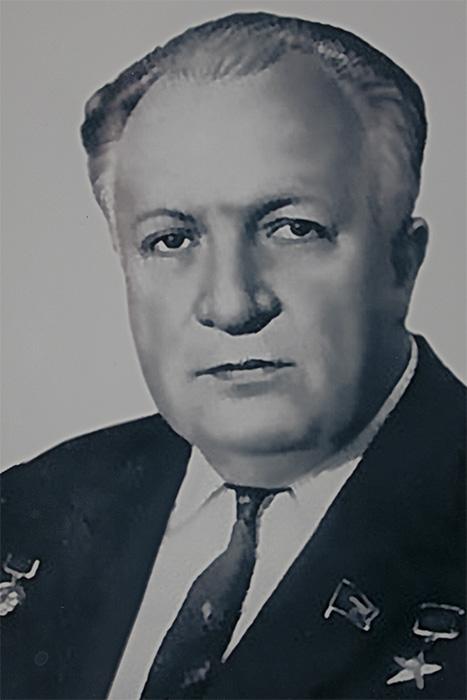 Петровский Борис Васильевич